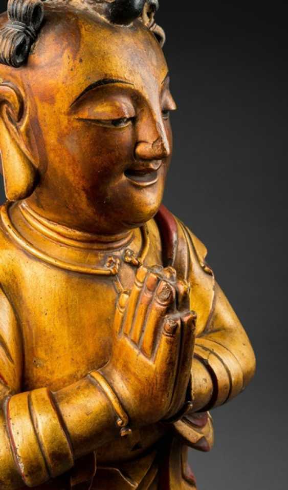 Lacquer gilt wood figure of Shancai tongzi - photo 2
