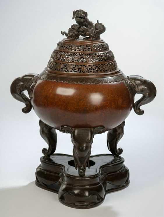Großer Weihrauchbrenner aus Bronze in drei Teilen gearbeitet - Foto 1