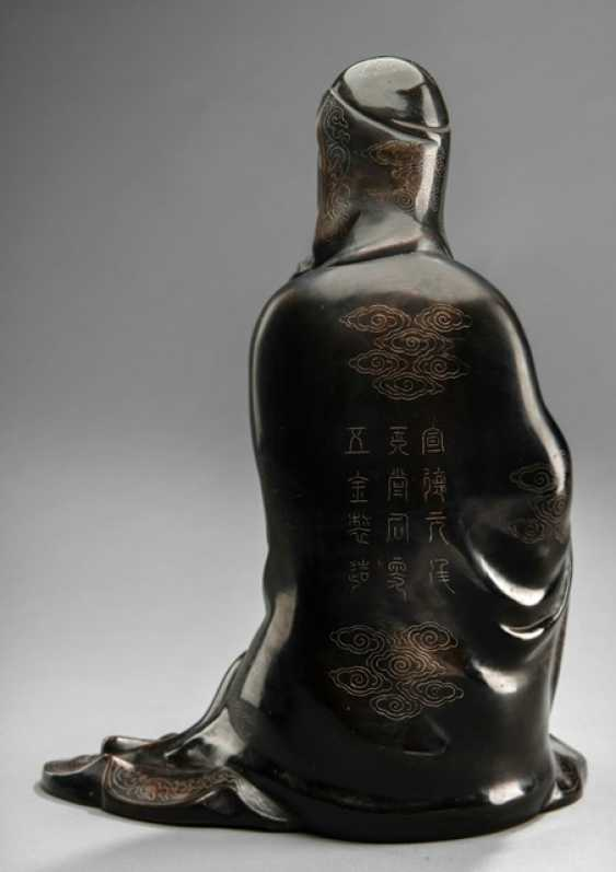 Bronze of Guanyin with silver deposits in the Shisou-style - photo 2