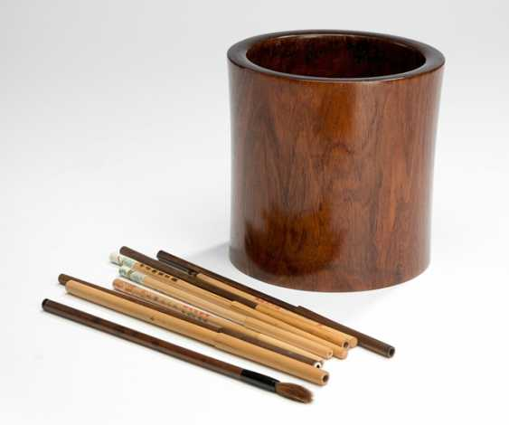 A cylindrical brush cups of a fine grained hard wood - photo 1