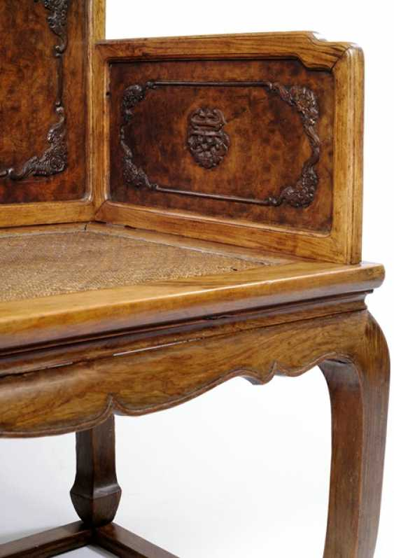 Rare throne made of hard wood and root wood - photo 4