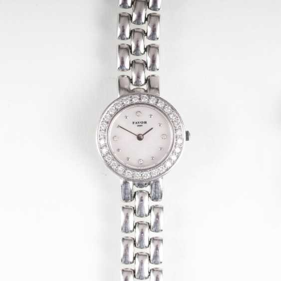 Ladies wrist watch out of Favor with diamonds - photo 1