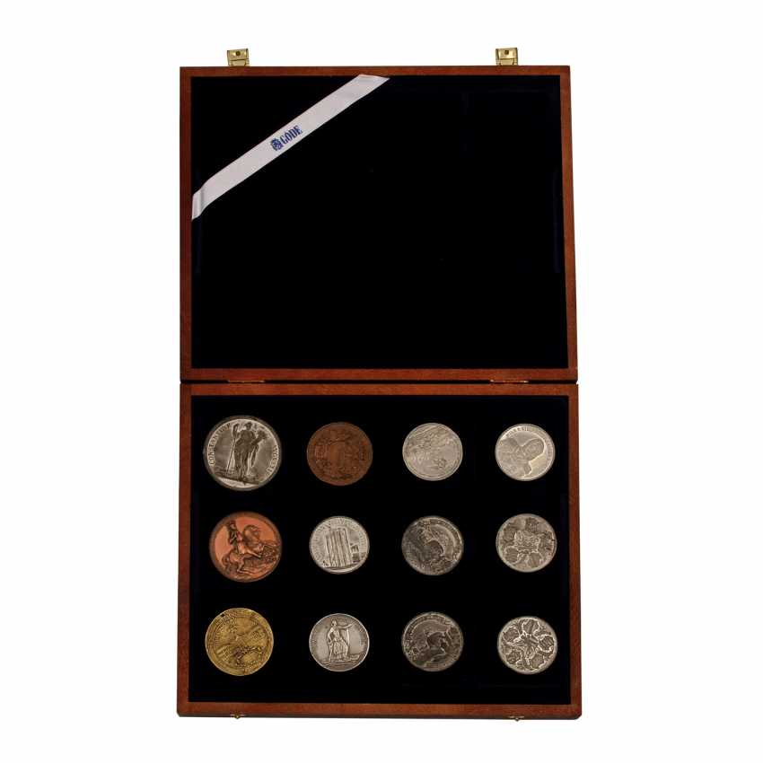 Medals - collection of 12 pieces, - photo 1