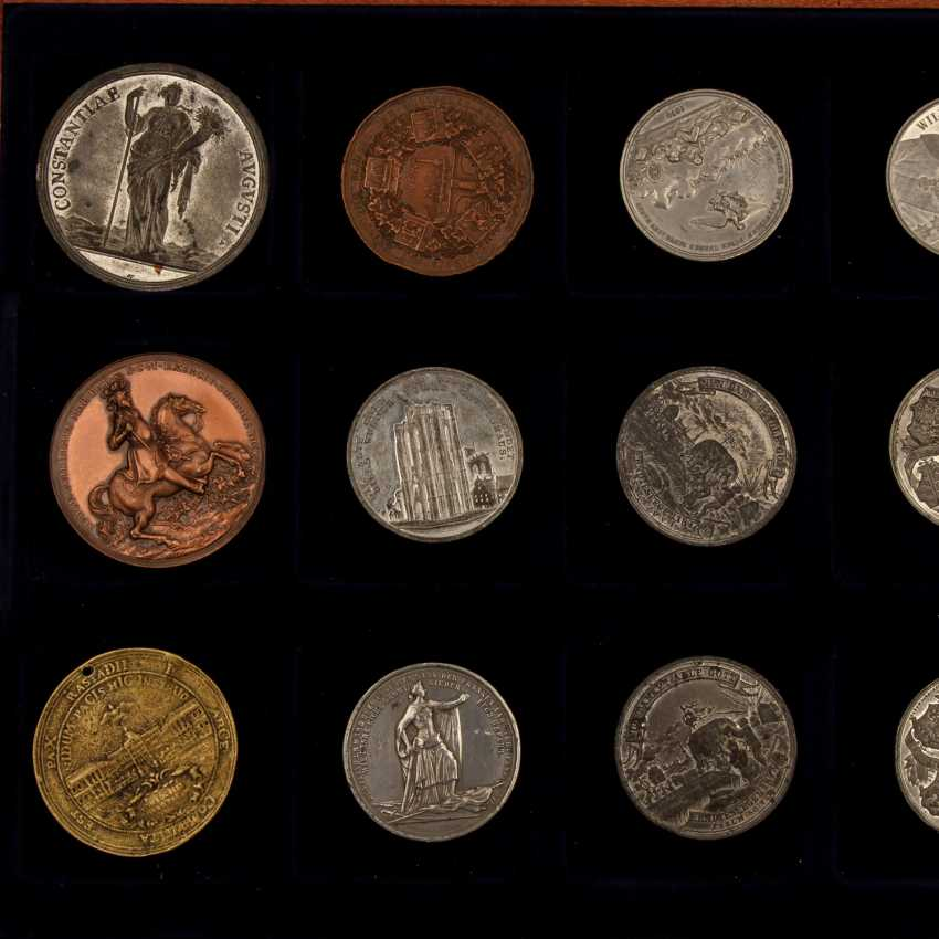 Medals - collection of 12 pieces, - photo 2