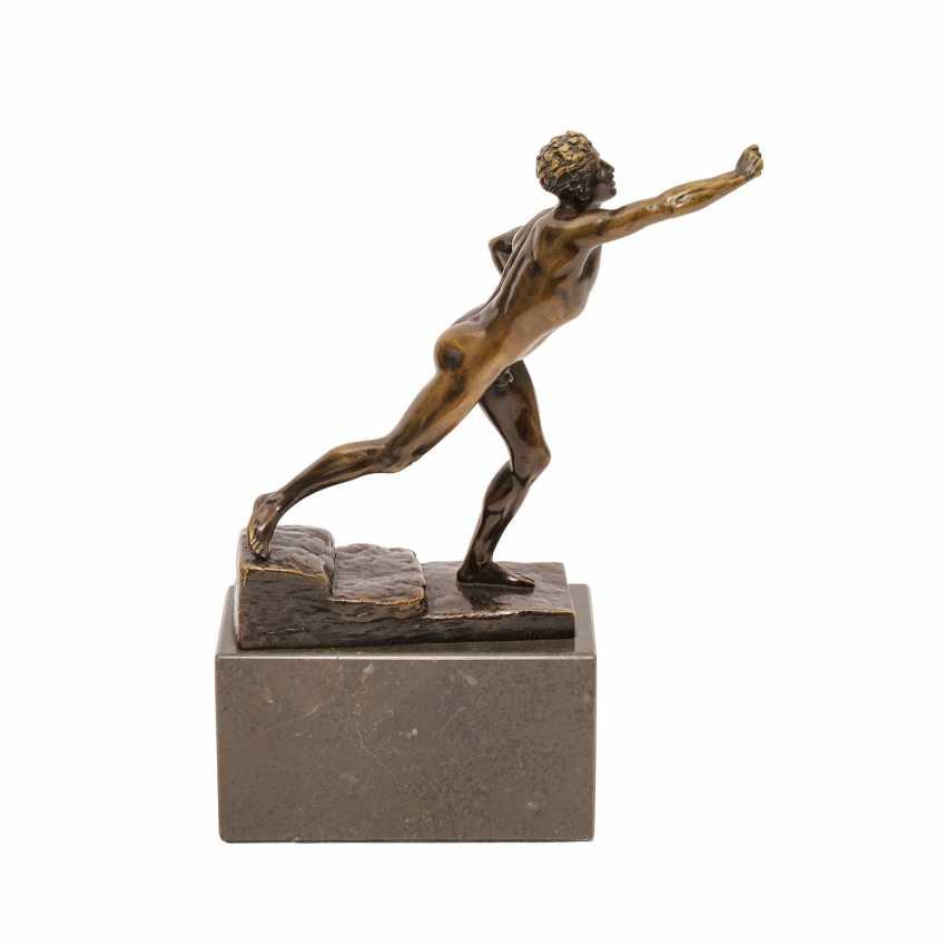 Bronzefigur von MAX KRUSE (1854-1942): NENIKHAMEN. - photo 4