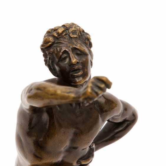 Bronzefigur von MAX KRUSE (1854-1942): NENIKHAMEN. - photo 6