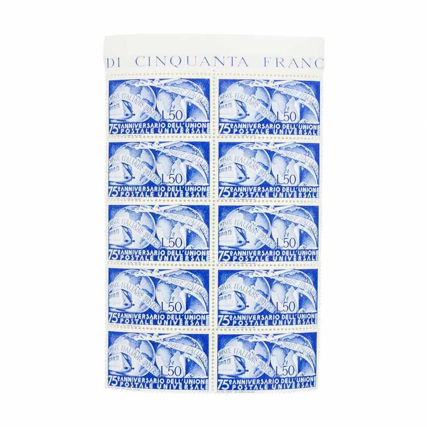 Italy - post office fresh block of ten of the Michel no. 772. - photo 1