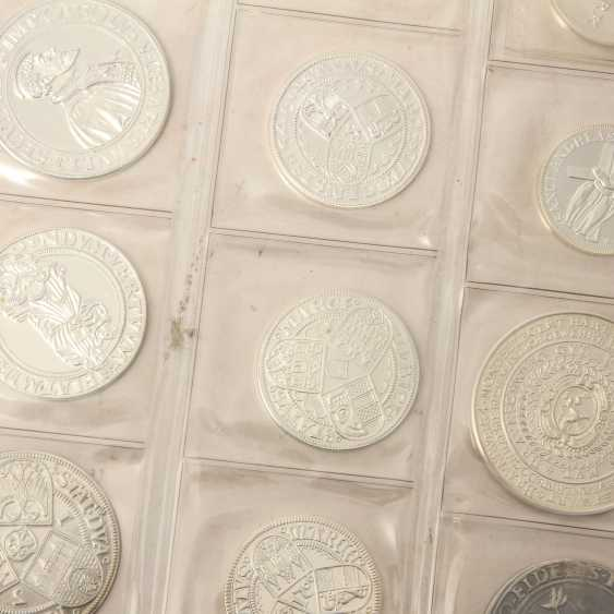 About 50 replicas of valuable coins of the RDR, - photo 6