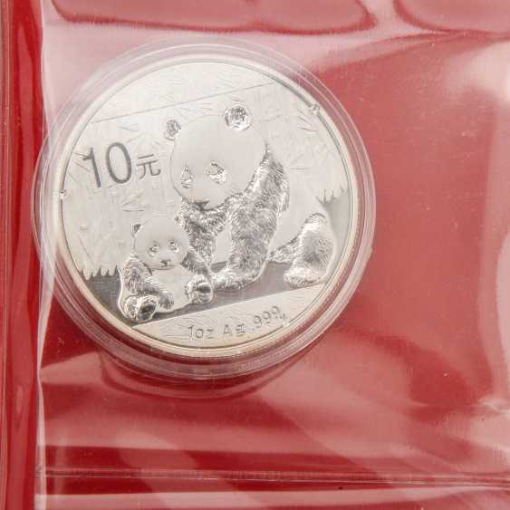Colorful mixed coin album with China, among other things, - photo 5