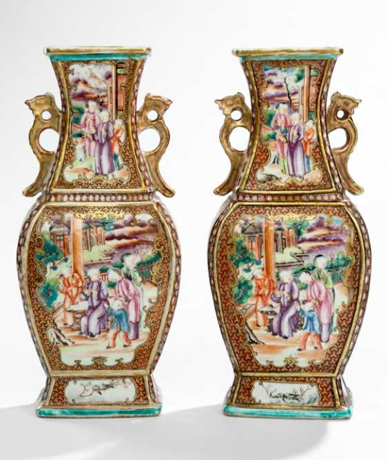Pair of baluster vases in the colors of the 'Mandarin Palette' - photo 1