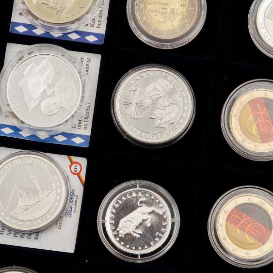 Treasure trove - about 70 coins, medals, - photo 5