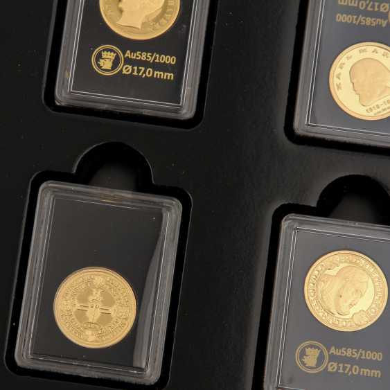 GOLD - Box with 10 gold medals, 585 alloy, - photo 2