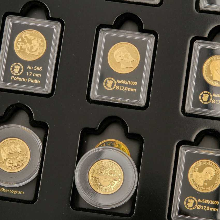 GOLD - Box with 10 gold medals, 585 alloy, - photo 3