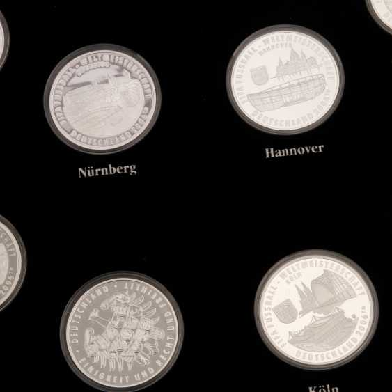 Chic compilation of medals and coins made of SILVER, among other things - photo 3