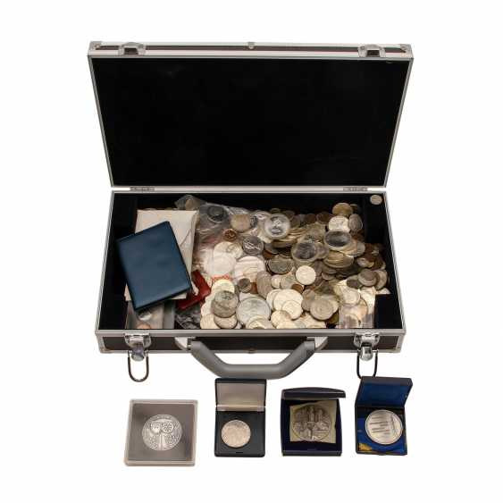 Coin case with content full content - photo 1