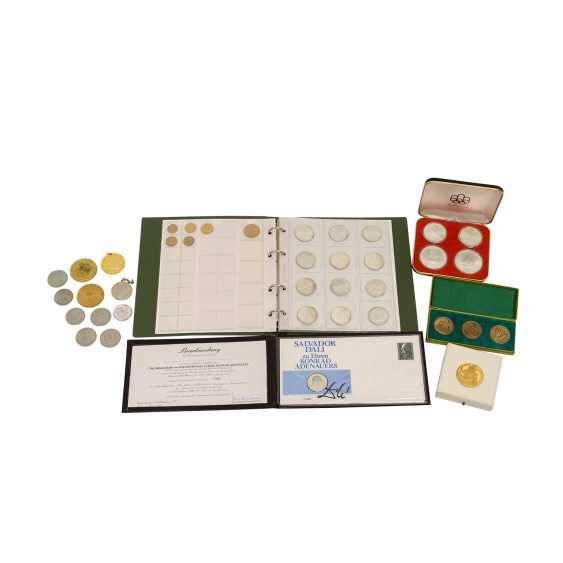 Interesting compilation of coins and medals, in GOLD and SILVER - photo 1