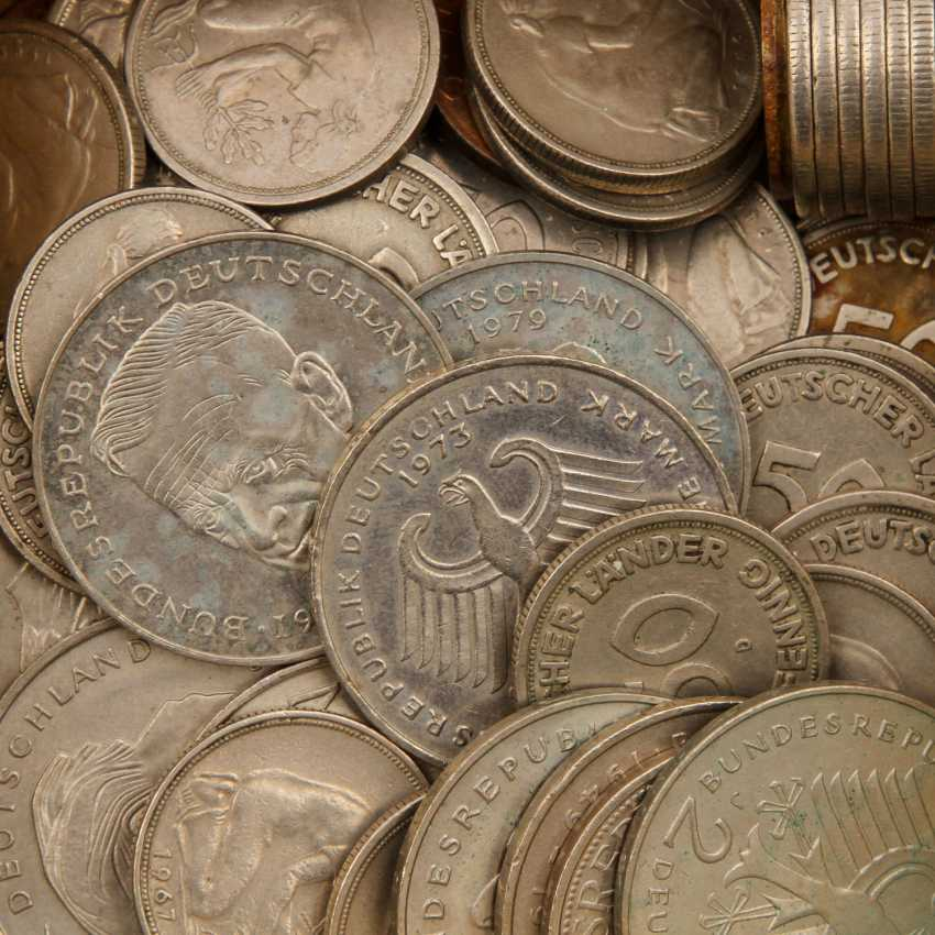 Collection Of Coins, Medals, Bank Notes. - photo 3