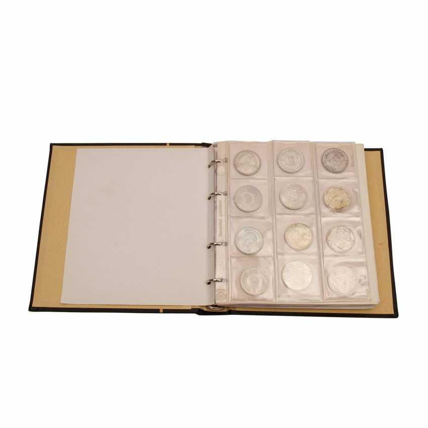 Egypt Album with mostly silver coins, - photo 1