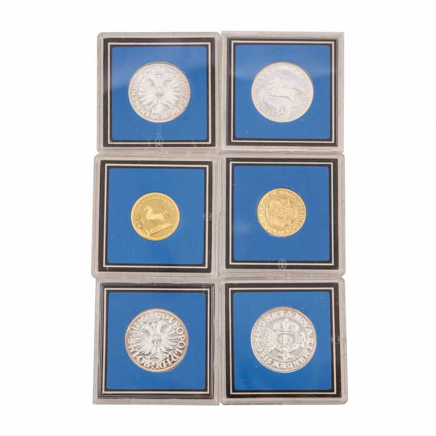About 30 replicas of valuable coins of the RDR, - photo 4