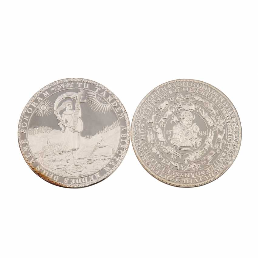 About 30 replicas of valuable coins of the RDR, - photo 6