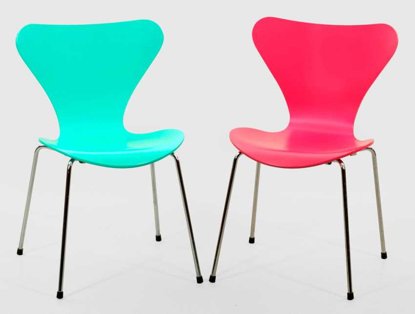 Two stacking chairs by Arne Jacobsen - photo 1