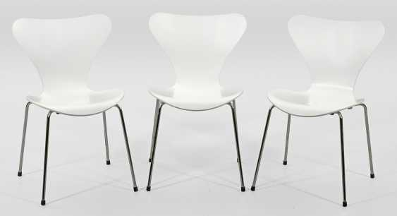 Three stacking chairs by Arne Jacobsen - photo 1