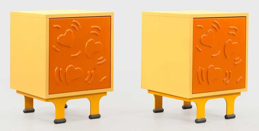 Couple of Design bedside cabinets with Keith Haring pattern - photo 1