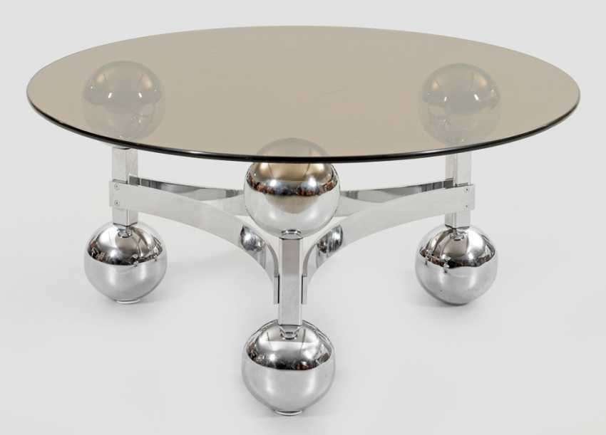 Round table triana glass lid and legs chrome 110 cm.