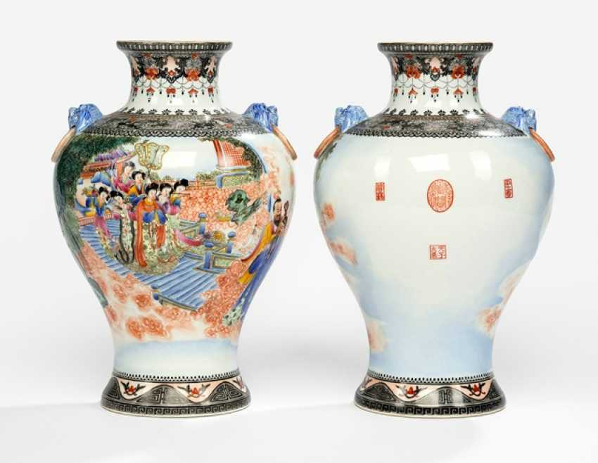 Pair of polychrome-decorated vases, made of porcelain with a mythological scene and seals - photo 1