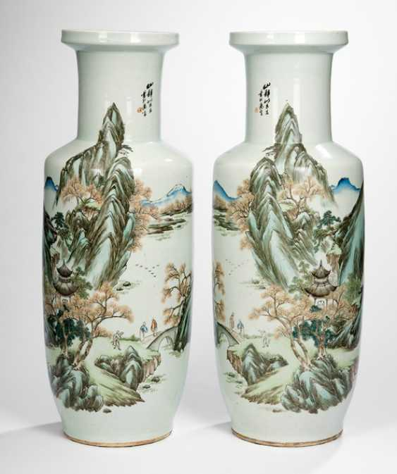 Pair of large vases with landscape decor - photo 1