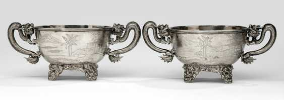 Pair handle shells made of silver with a dragon and landscape engraving - photo 1