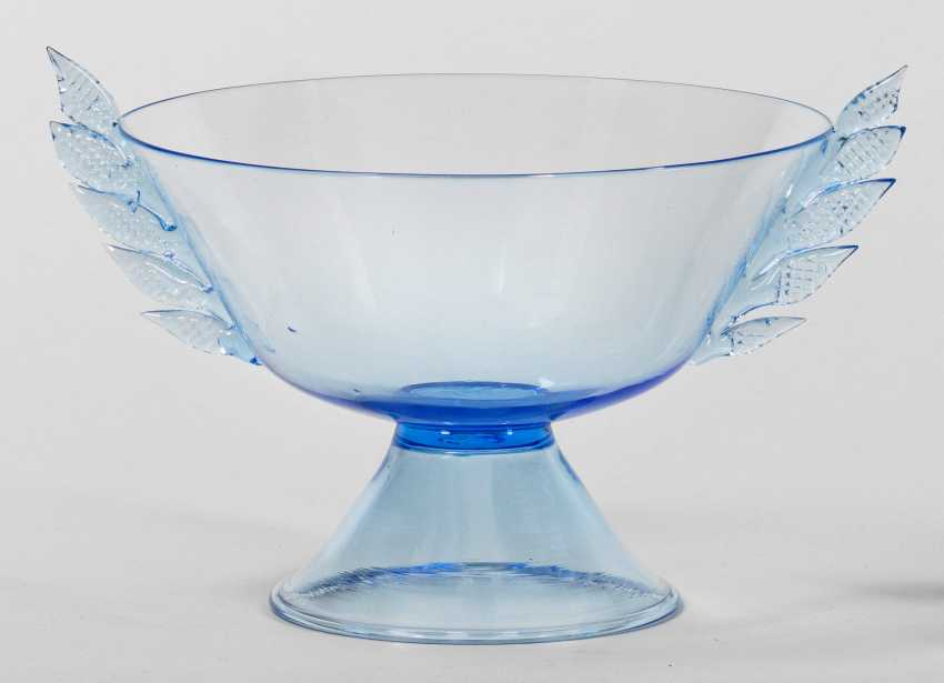 Footed bowl with leaf handles - photo 1