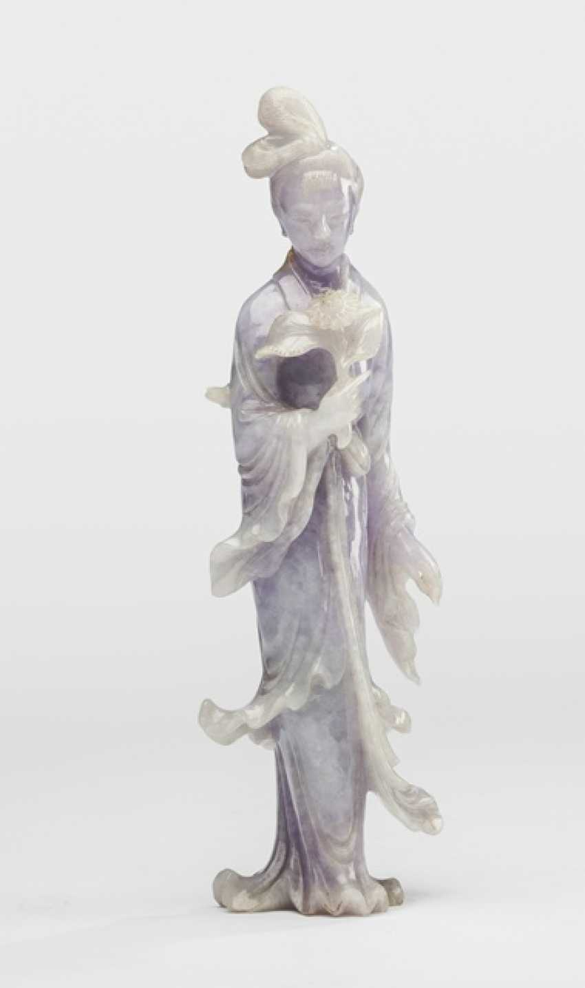 Jadeite carving of a standing lady with a flower branch, hard wooden base with silver - photo 2