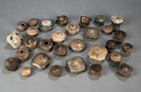 30 opium pipe bowls made of stoneware with incised and Prägedekoren - photo 1