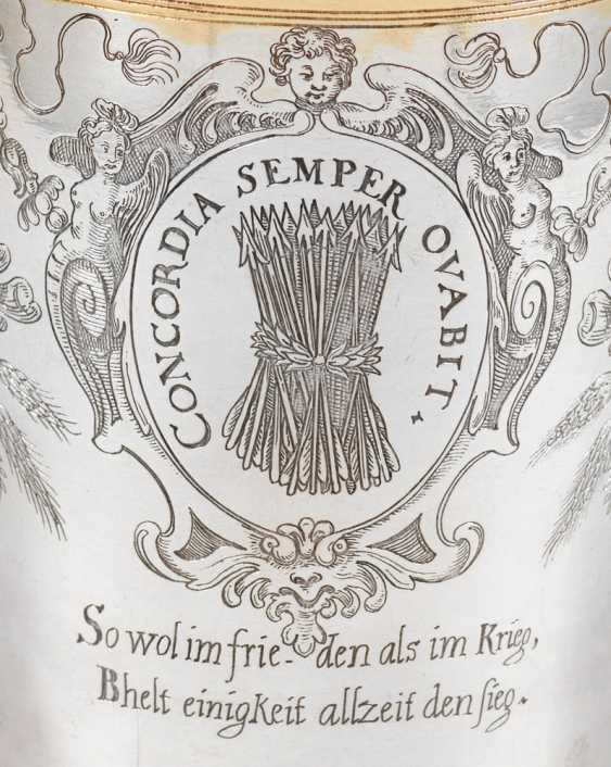 Rare Nuremberg Cup with emblems - photo 3
