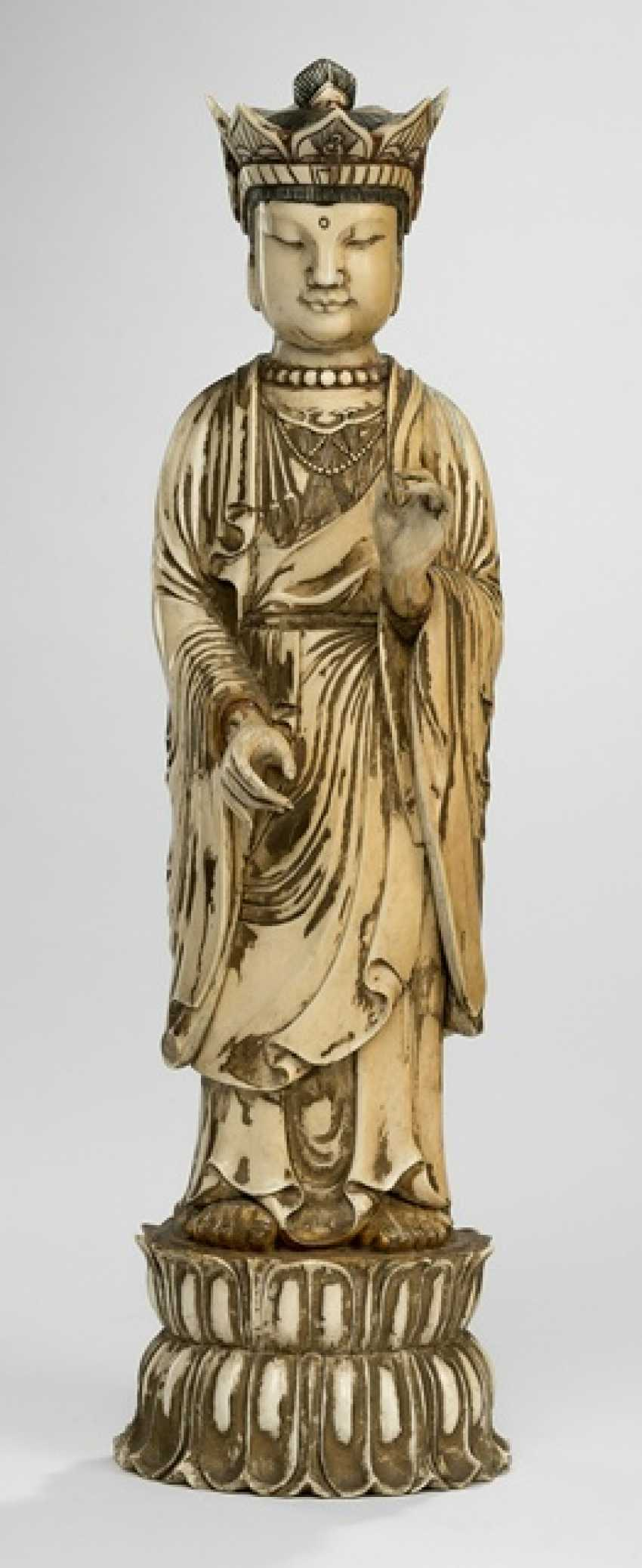 Standing crowned Buddha in mammoth ivory - photo 1
