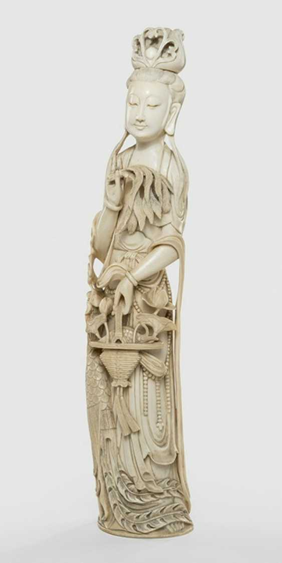 Ivory carving of an Immortal with flower basket, Wedel, and Phoenix - photo 1