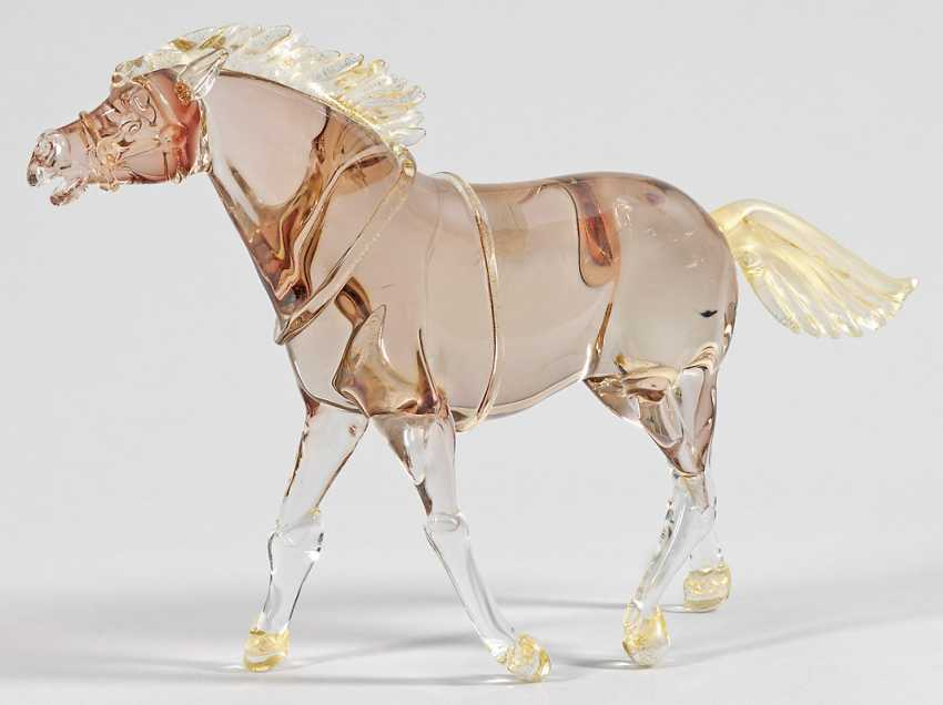 Glass sculpture of a horse - photo 1