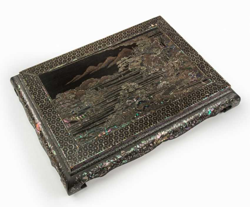 Black lacquer stand with mother-of-pearl inlays - photo 1