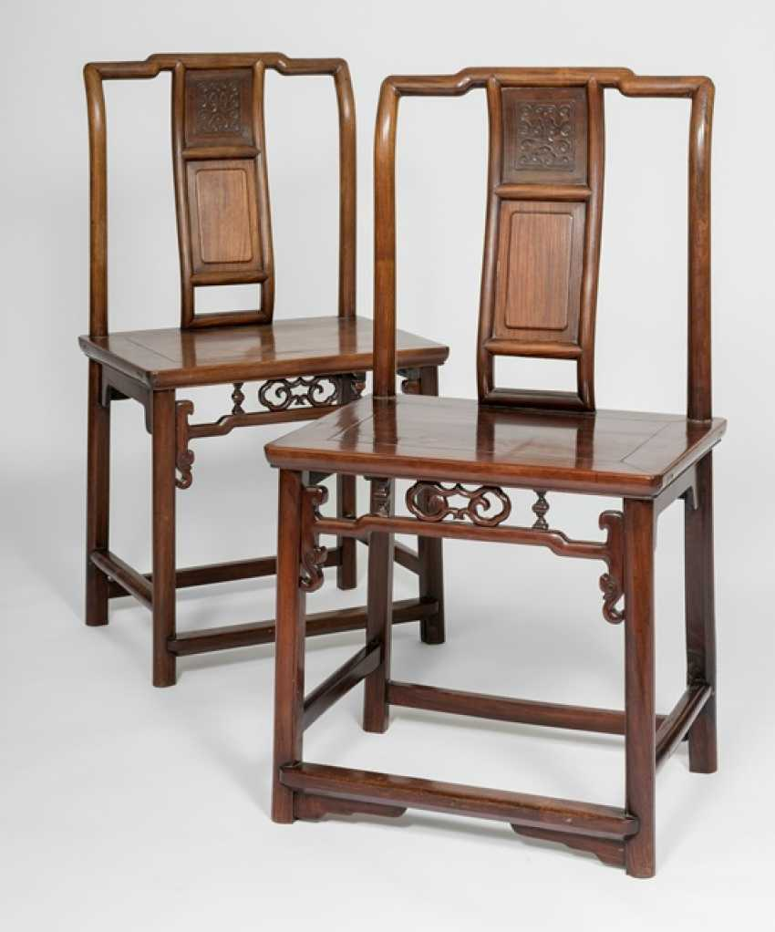 Pair of chairs made of hard wood - photo 1