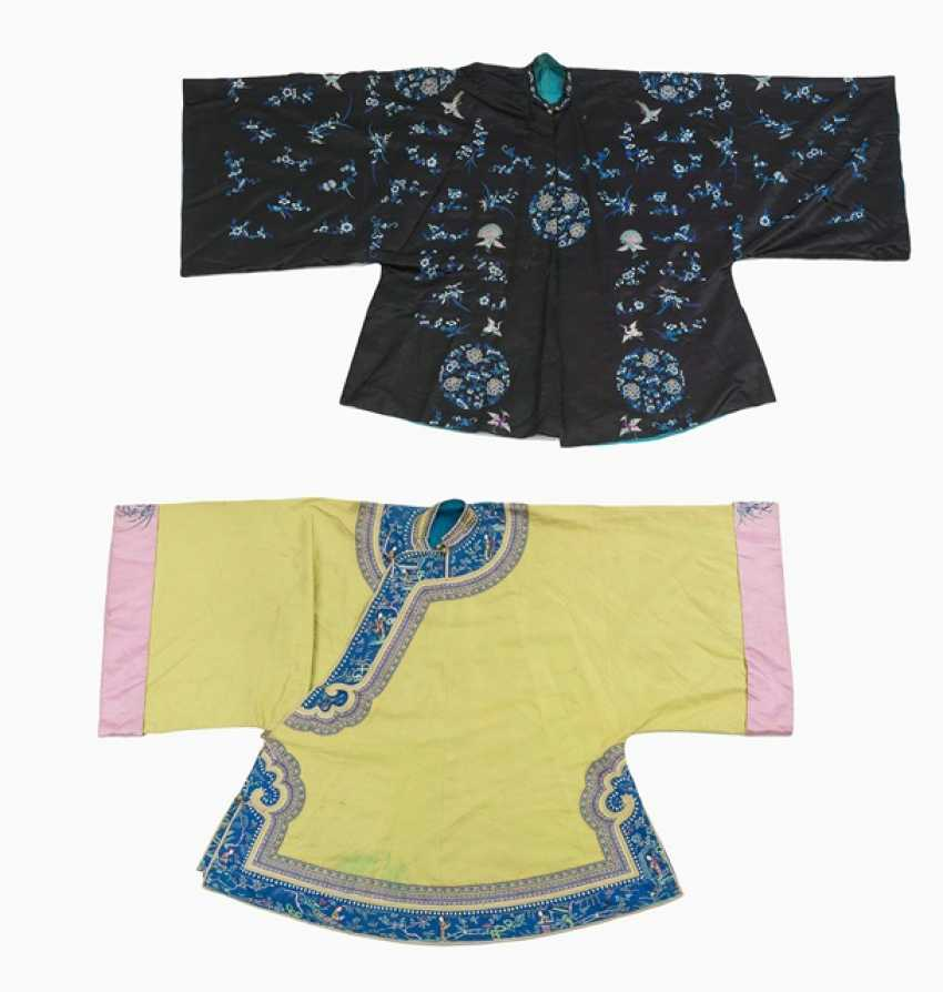 Two embroidered and braid-embellished women's jackets in a wide sleeve cut - photo 1