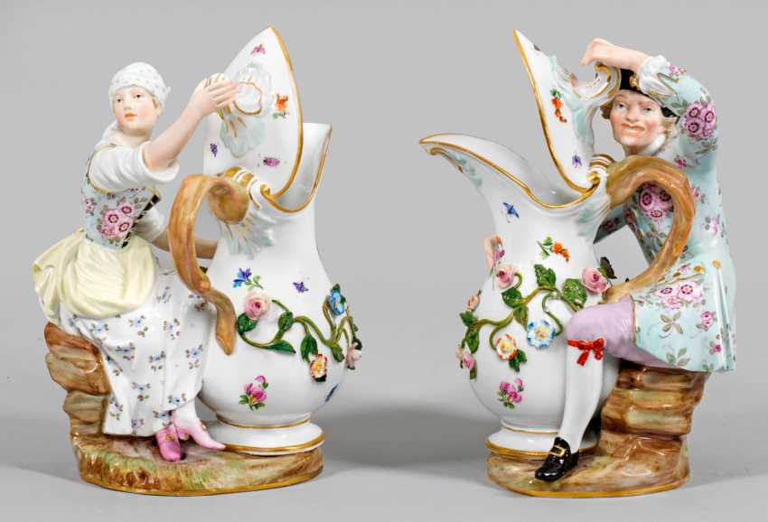 Pair of figures with pot - photo 1