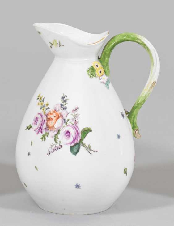 Wine jug with floral decoration - photo 1