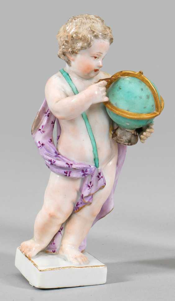 Putto with globe - photo 1