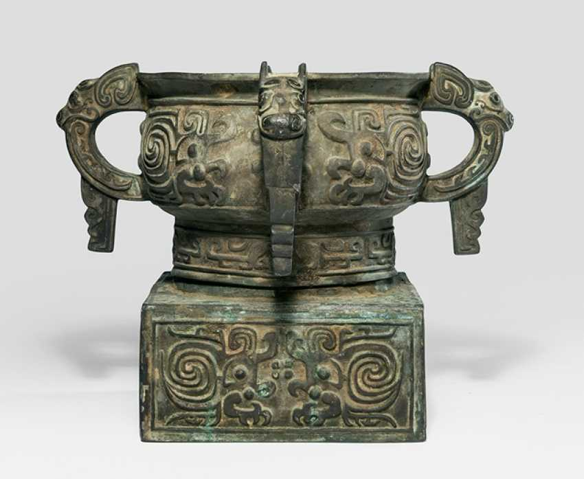 Ritual vessel of the type 'gui' is the Bronze in the style of the Zhou dynasty - photo 1