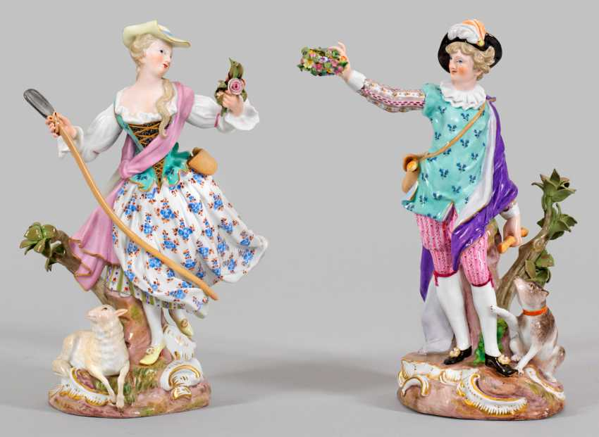 Pair Of Shepherd Figures - photo 1