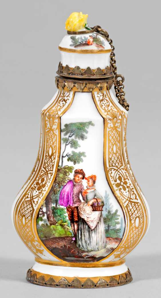 Perfume bottle with Watteau scenes - photo 1