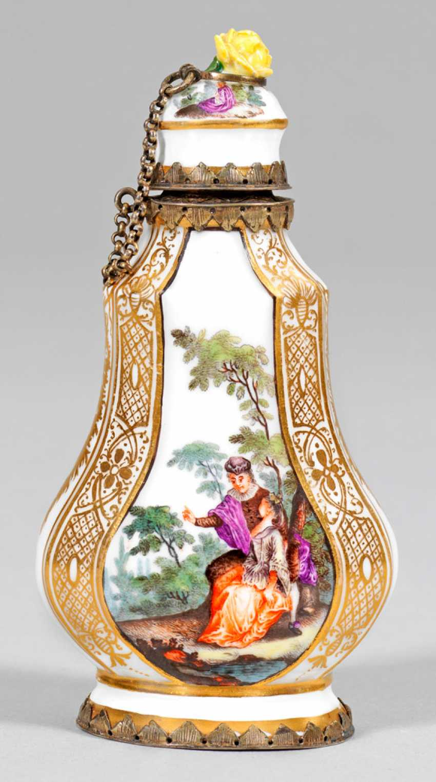 Perfume bottle with Watteau scenes - photo 2