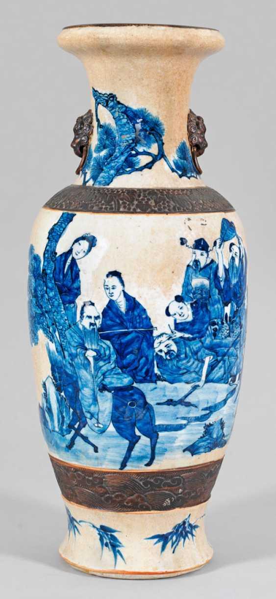 Large baluster vase with figurative scene - photo 1