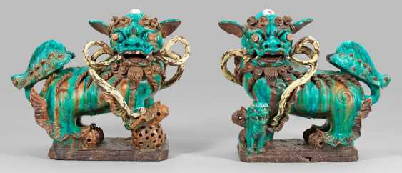 Pair of large temple dogs - photo 1